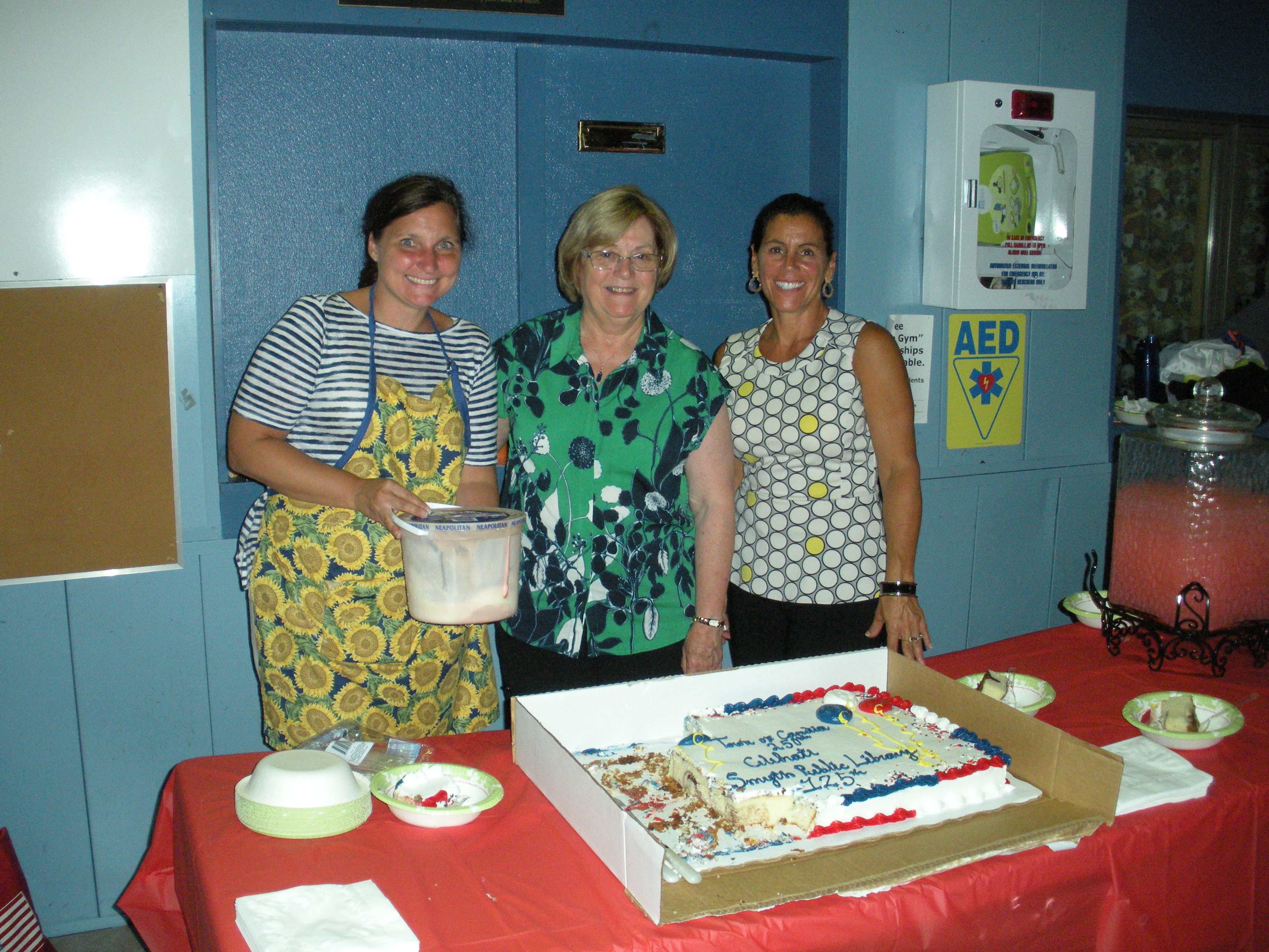 Picture of Trustees & cake